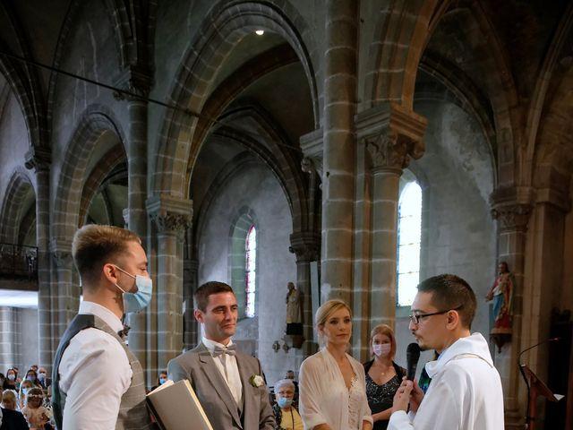 Le mariage de Adrien et Charlotte à Noyant-d'Allier, Allier 17