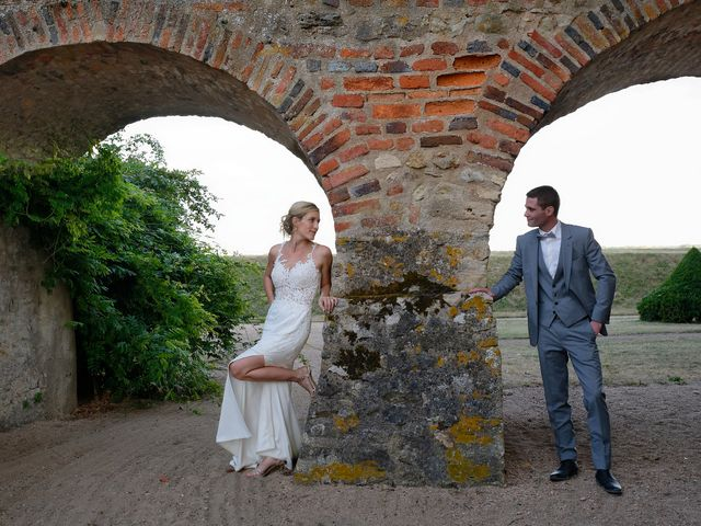 Le mariage de Adrien et Charlotte à Noyant-d'Allier, Allier 28