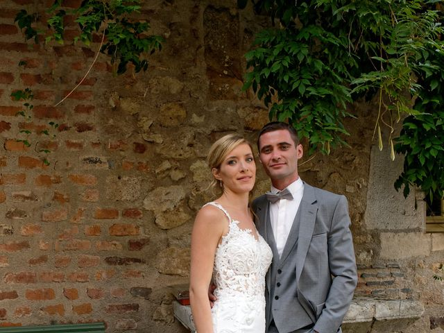 Le mariage de Adrien et Charlotte à Noyant-d'Allier, Allier 29