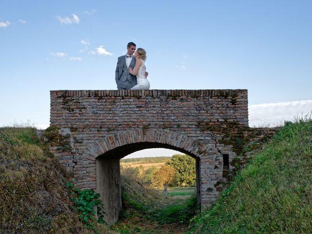 Le mariage de Adrien et Charlotte à Noyant-d'Allier, Allier 31