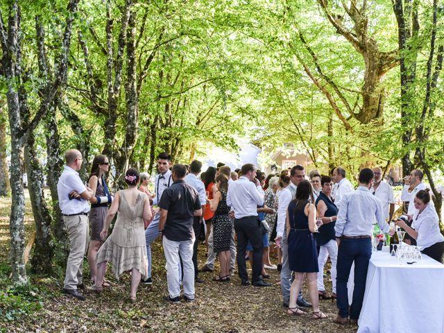 Le mariage de Julien et Bénédicte à Libourne, Gironde 6