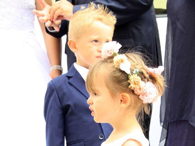 Le mariage de Romain et Sandra à Molières-sur-Cèze, Gard 14