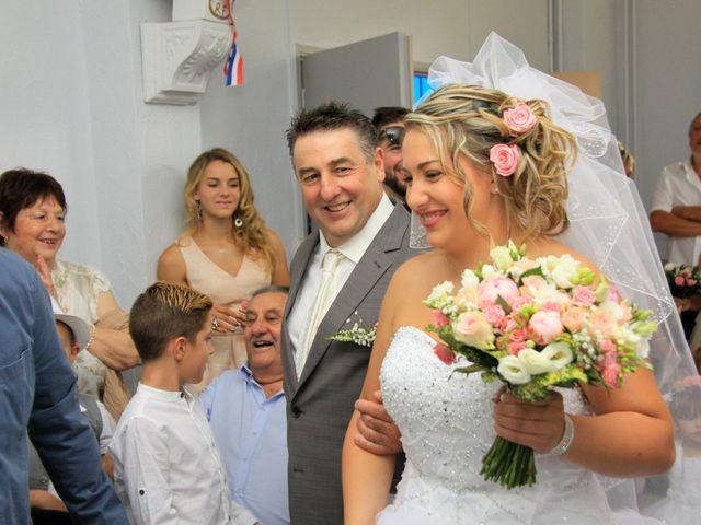 Le mariage de Romain et Sandra à Molières-sur-Cèze, Gard 17