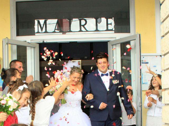 Le mariage de Romain et Sandra à Molières-sur-Cèze, Gard 24
