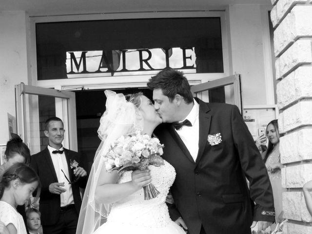 Le mariage de Romain et Sandra à Molières-sur-Cèze, Gard 25
