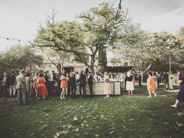 Le mariage de Hugo et Zoé à Rochefort-du-Gard, Gard 14