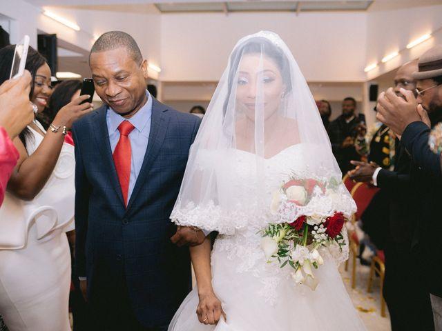 Le mariage de Eric et Laetitia à Vincennes, Val-de-Marne 34