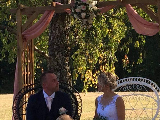 Le mariage de Bertrand et Delphine   à Fieux, Lot-et-Garonne 8