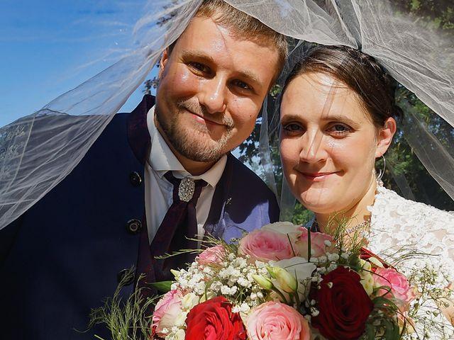 Le mariage de Clément et Axelle à Landeronde, Vendée 23