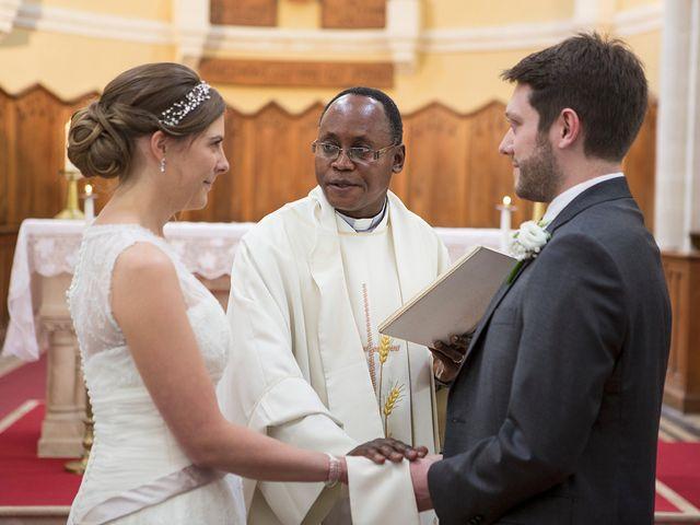 Le mariage de Adrien et Laure à Villié-Morgon, Rhône 43