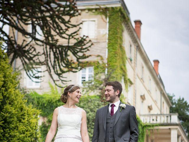 Le mariage de Adrien et Laure à Villié-Morgon, Rhône 51