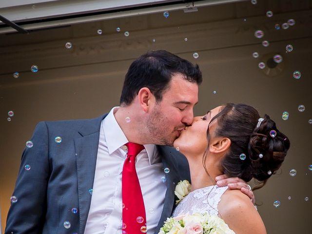 Le mariage de Julien et Sara à Le Coudray-Montceaux, Essonne 13