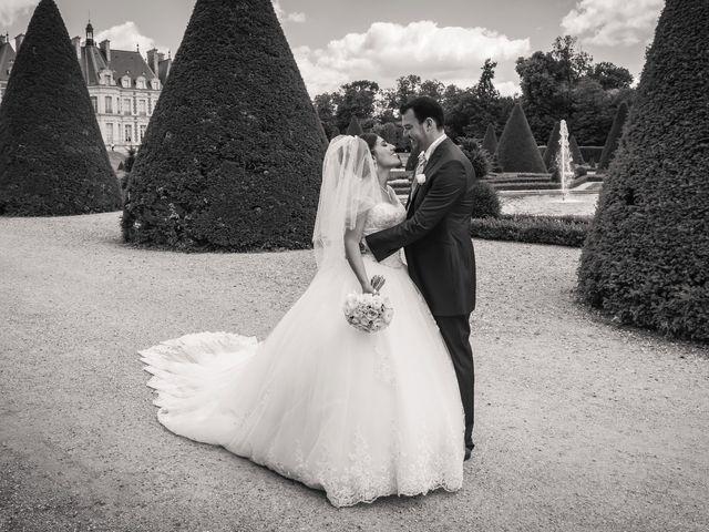 Le mariage de Julien et Sara à Le Coudray-Montceaux, Essonne 22