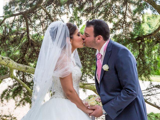 Le mariage de Julien et Sara à Le Coudray-Montceaux, Essonne 23