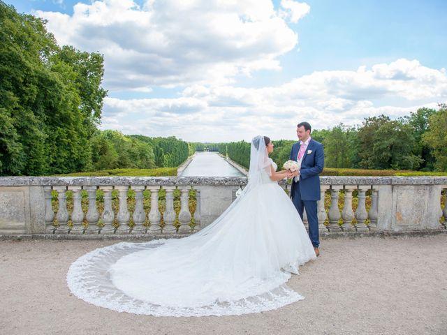 Le mariage de Julien et Sara à Le Coudray-Montceaux, Essonne 24
