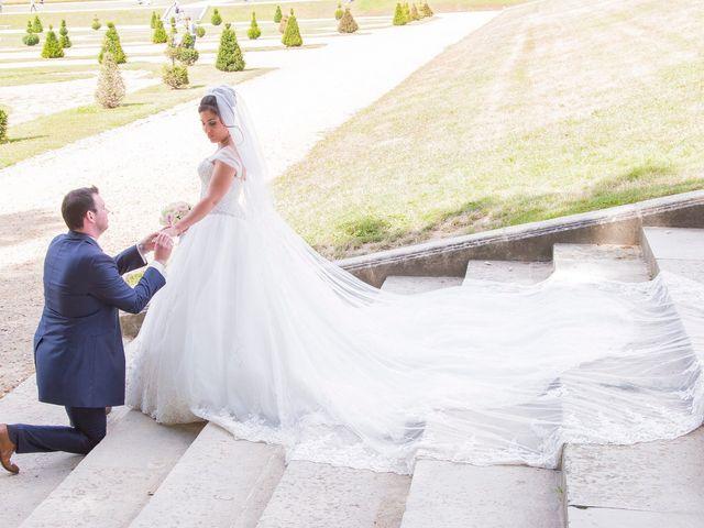 Le mariage de Julien et Sara à Le Coudray-Montceaux, Essonne 25