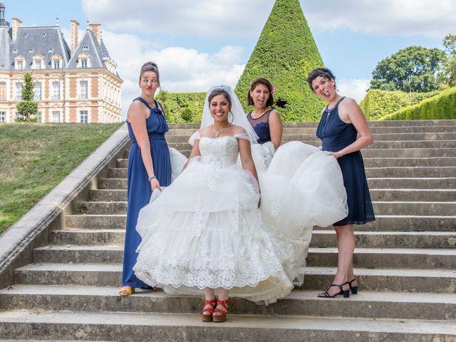 Le mariage de Julien et Sara à Le Coudray-Montceaux, Essonne 26