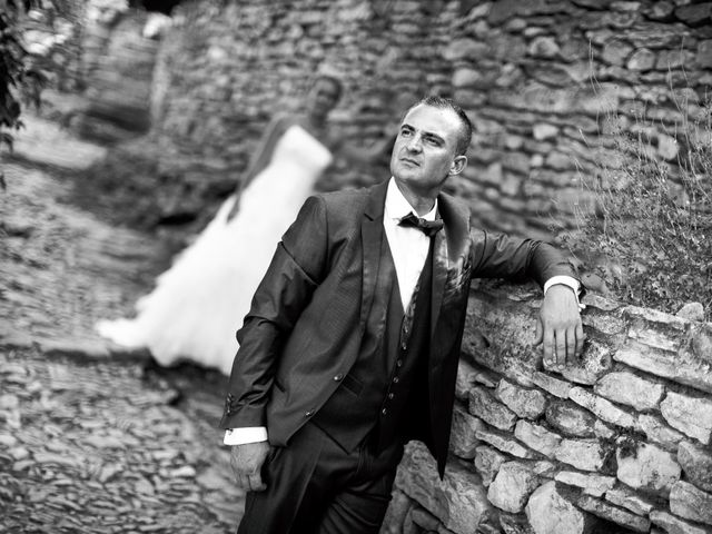 Le mariage de Romain et Mélanie à L'Ardoise, Gard 3