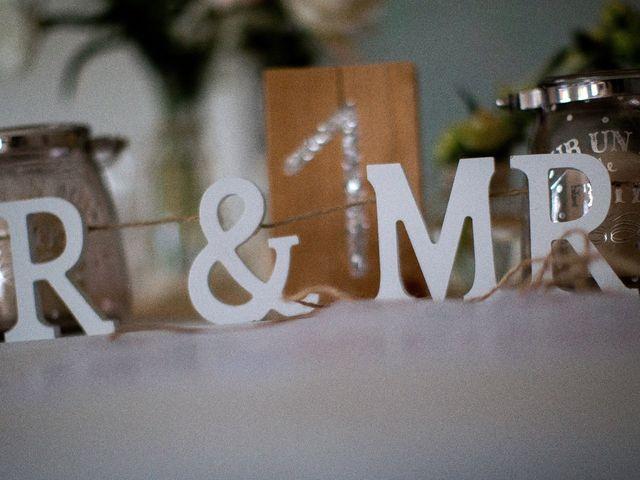 Le mariage de Romain et Mélanie à L'Ardoise, Gard 26