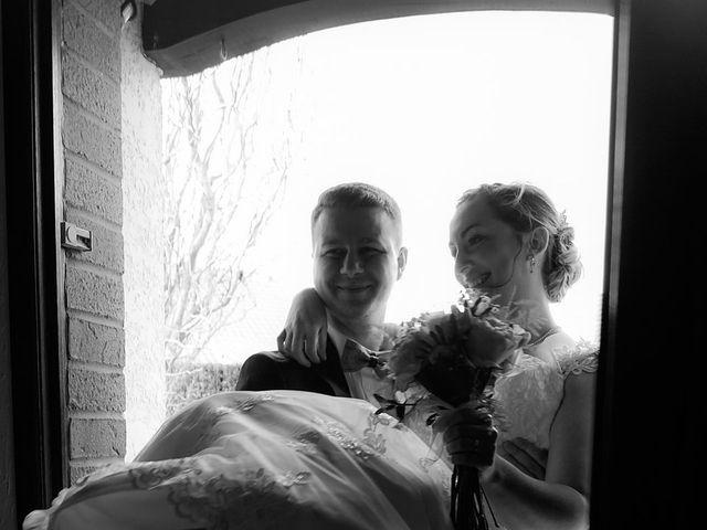 Le mariage de Julien et Amandine à Auchy-les-Mines, Pas-de-Calais 16
