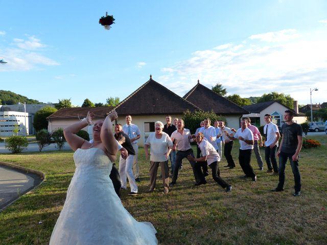Le mariage de Emilie et Thomas à Lons-le-Saunier, Jura 3