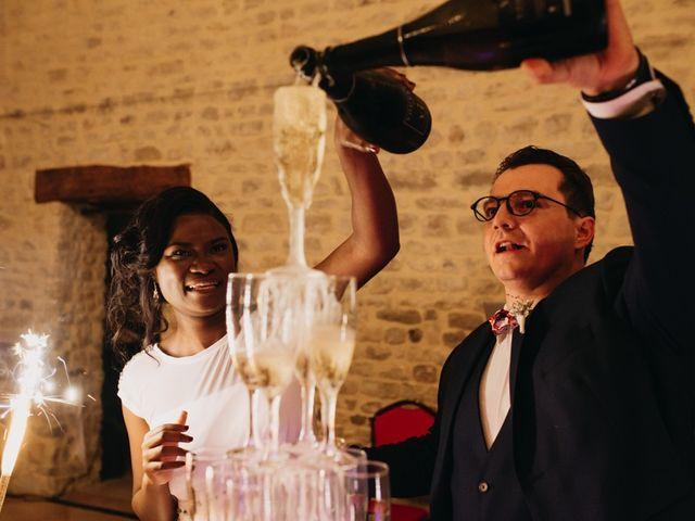 Le mariage de Pierre-Luc et Fifatin à Tour-en-Bessin, Calvados 15