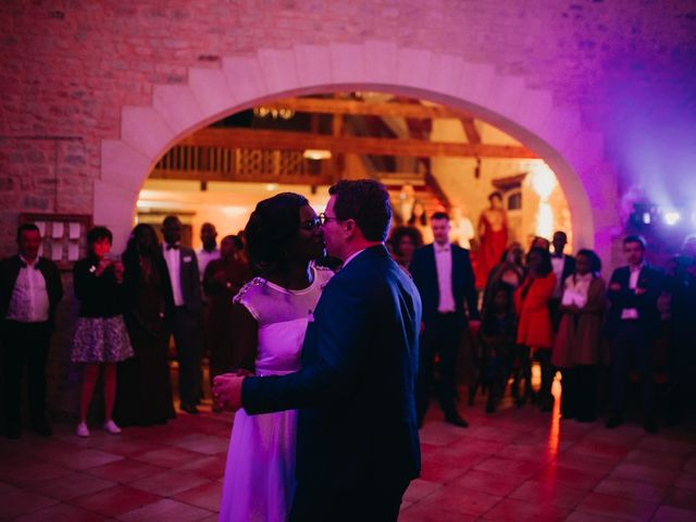 Le mariage de Pierre-Luc et Fifatin à Tour-en-Bessin, Calvados 16