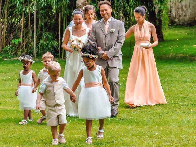 Le mariage de Christophe et Mélanie à Pommeuse, Seine-et-Marne 17