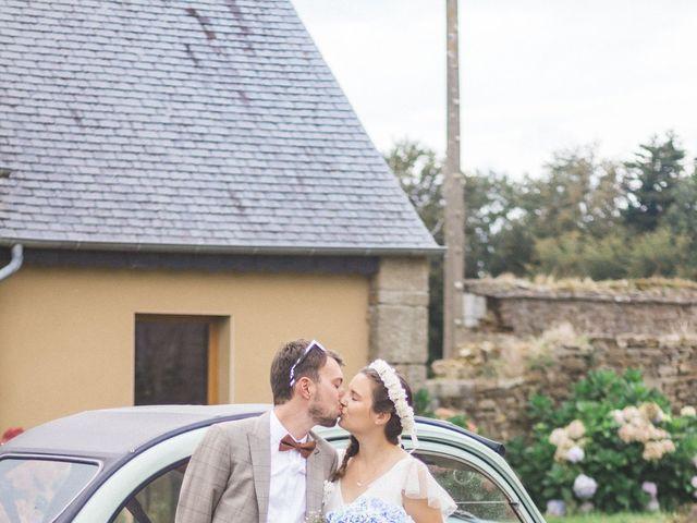 Le mariage de Sébastien et Alexandra à Guimaëc, Finistère 3
