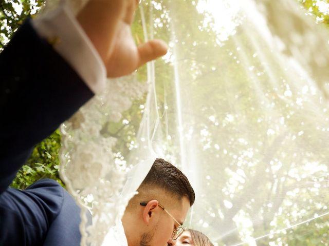 Le mariage de Adrien et Marine à Tassin-la-Demi-Lune, Rhône 1