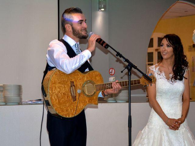 Le mariage de Olivier et Cindy à Rognac, Bouches-du-Rhône 15