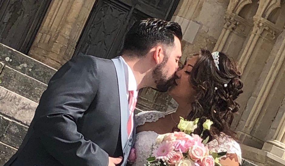 Le mariage de Julien et Hanna  à Bourges, Cher