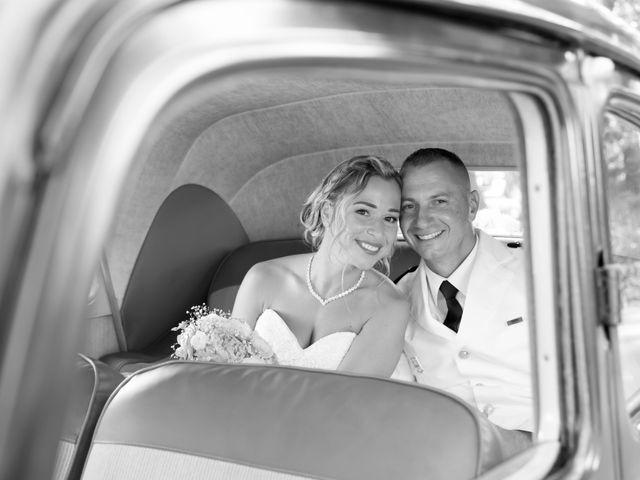 Le mariage de Jonathan et Marion à Pierrefeu-du-Var, Var 16