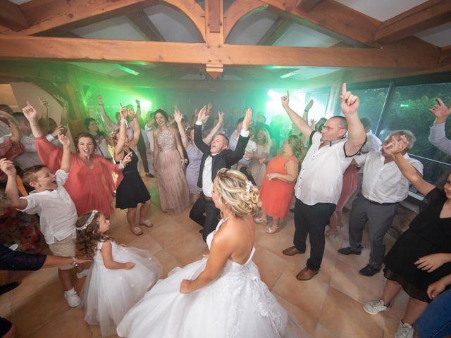 Le mariage de Jonathan et Marion à Pierrefeu-du-Var, Var 23