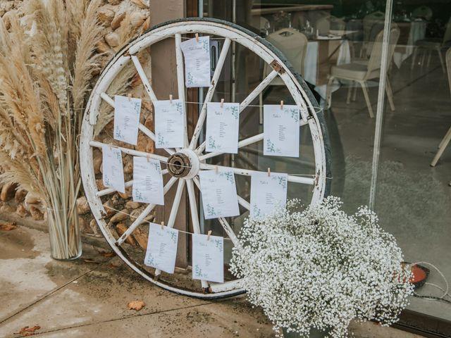 Le mariage de William et Helen à Eyguières, Bouches-du-Rhône 21