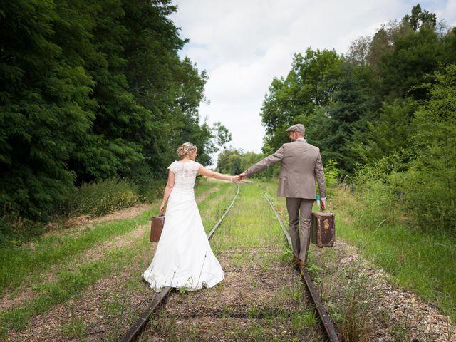 Le mariage de Ludovic et Isabelle à Abergement-la-Ronce, Jura 9