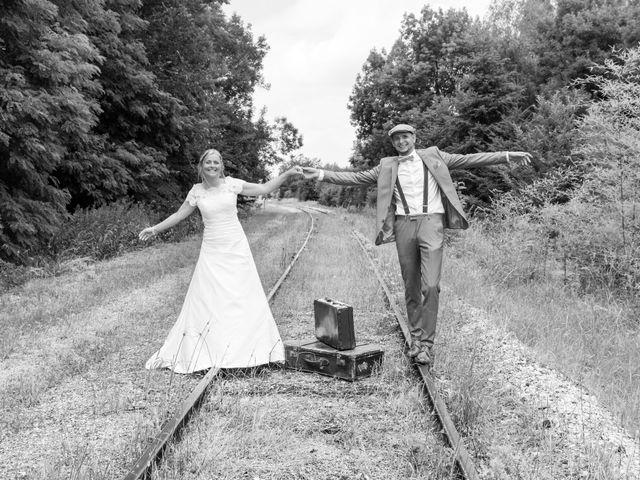 Le mariage de Ludovic et Isabelle à Abergement-la-Ronce, Jura 11