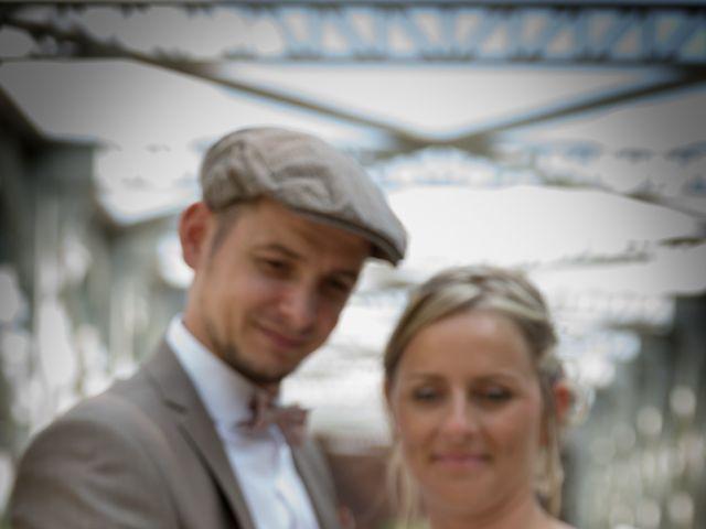 Le mariage de Ludovic et Isabelle à Abergement-la-Ronce, Jura 19