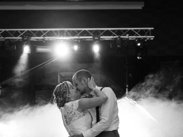 Le mariage de Ludovic et Isabelle à Abergement-la-Ronce, Jura 28