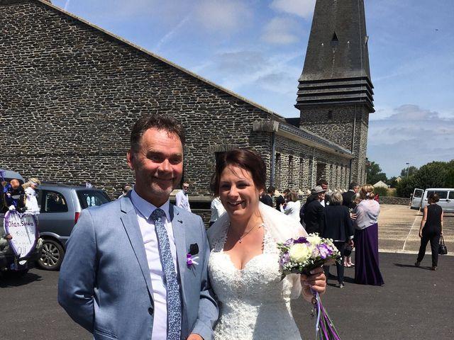Le mariage de Yohan et Sandra à Saint-Georges-de-Bohon, Manche 15