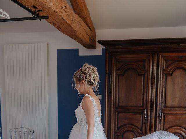 Le mariage de Jérémy et Laura à Champdieu, Loire 11