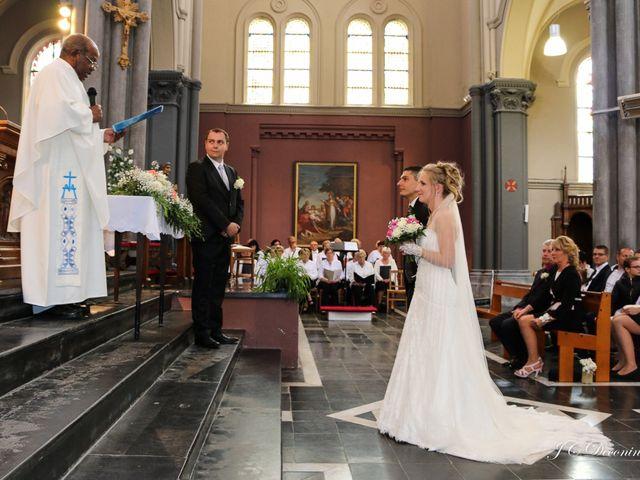 Le mariage de Romain et Amélie à Roncq, Nord 17