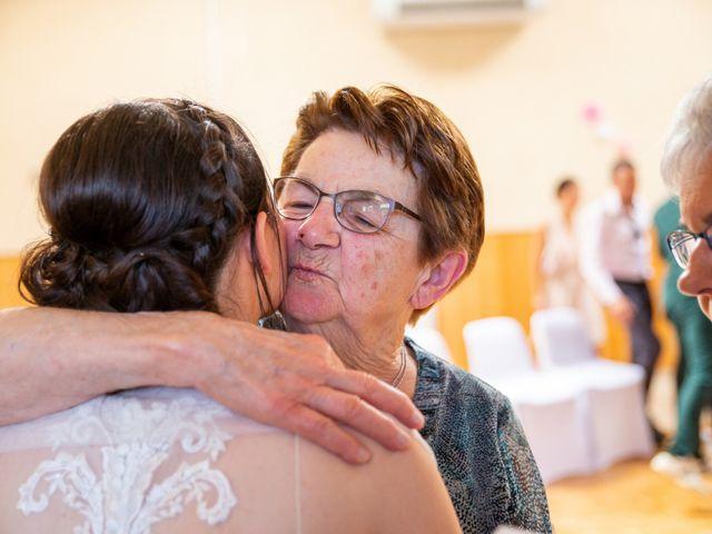 Le mariage de Valentin et Nathalie à Vallons-de-l'Erdre, Loire Atlantique 56