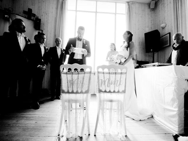 Le mariage de Loïc et Marie à Trouville-sur-Mer, Calvados 12