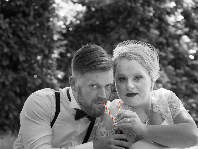 Le mariage de Manu et Sarah à Stiring-Wendel, Moselle 11
