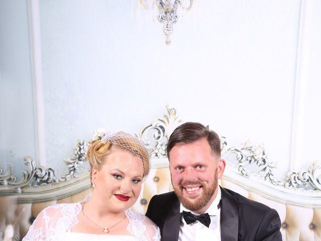 Le mariage de Manu et Sarah à Stiring-Wendel, Moselle 13