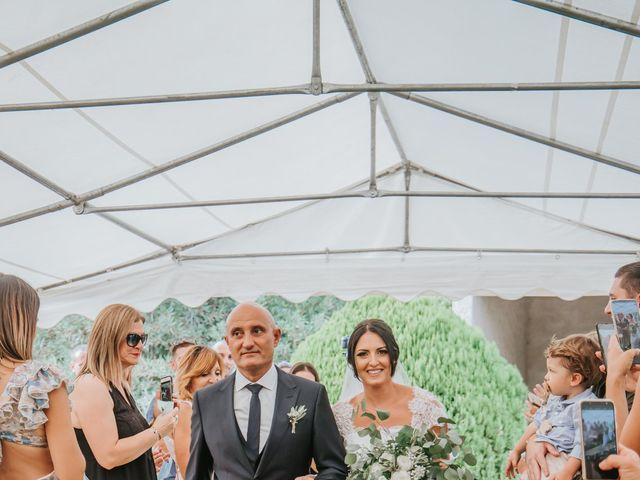 Le mariage de Dimitri et Anais à Port-Saint-Louis-du-Rhône, Bouches-du-Rhône 8