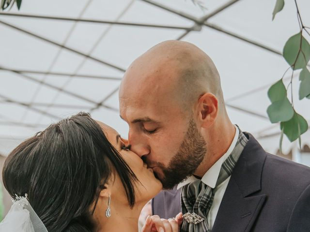 Le mariage de Dimitri et Anais à Port-Saint-Louis-du-Rhône, Bouches-du-Rhône 11