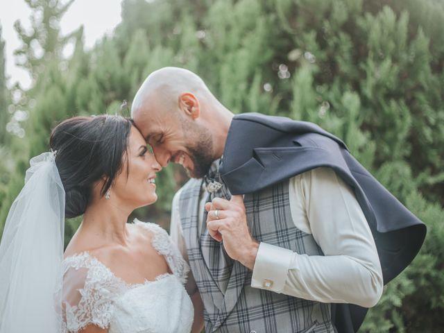 Le mariage de Dimitri et Anais à Port-Saint-Louis-du-Rhône, Bouches-du-Rhône 16