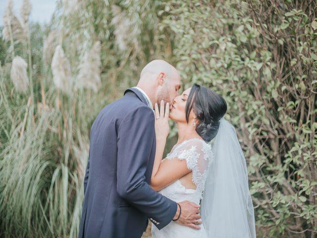 Le mariage de Dimitri et Anais à Port-Saint-Louis-du-Rhône, Bouches-du-Rhône 17